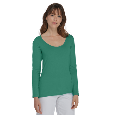woman facing front wearing delta platinum long sleeve scoop neck tee in jade